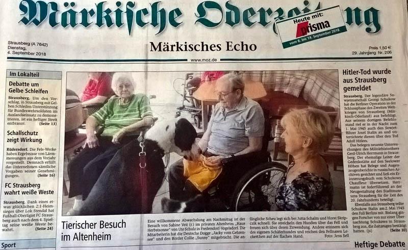 Doggenbesuch im Seniorenheim.